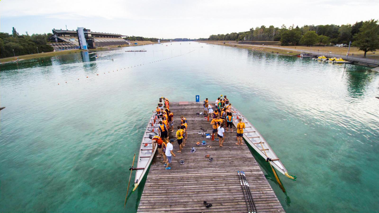 Das Drachenboot geht an den Start