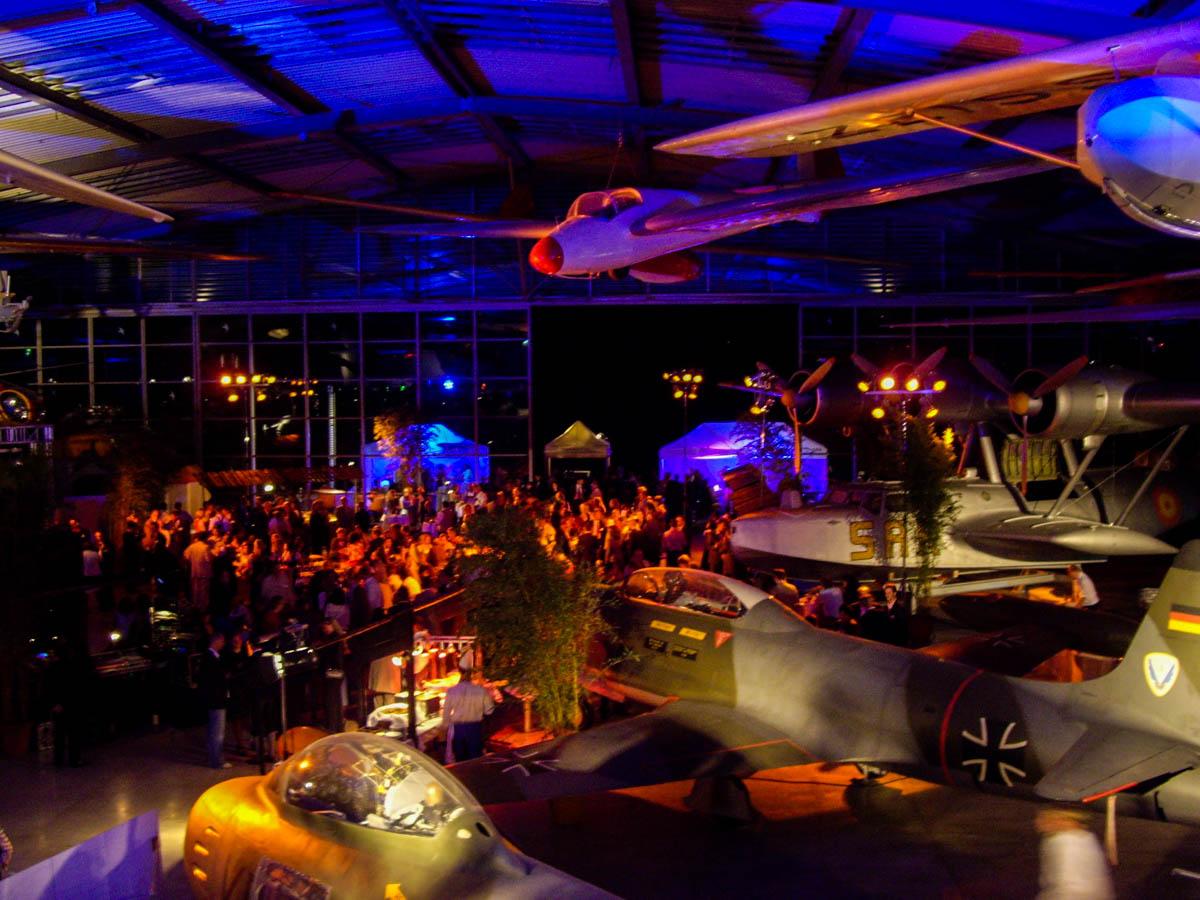 Roadshow Flugwerft Gavesi Catering Eching bei München